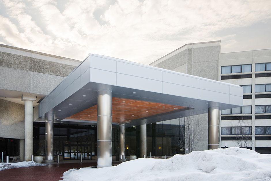 Crowne Plaza Hotel, NJ   Porcelanosa