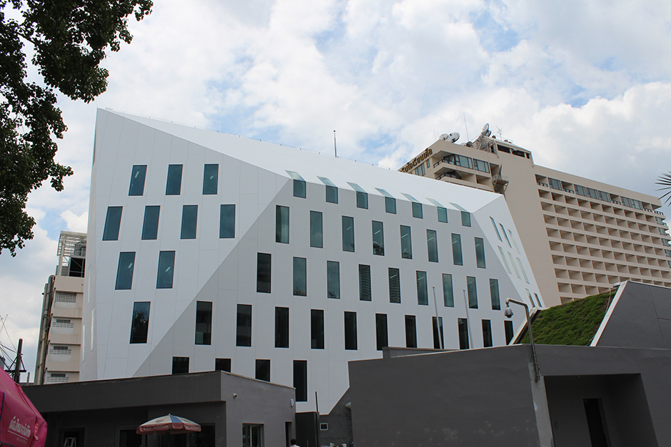 French-embassy-building---Bangkok,-Thailand_Krion-Facade
