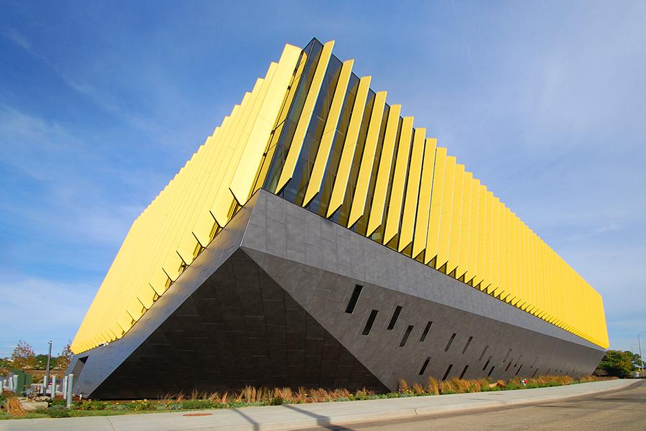 el centro_illinois_krion_facade