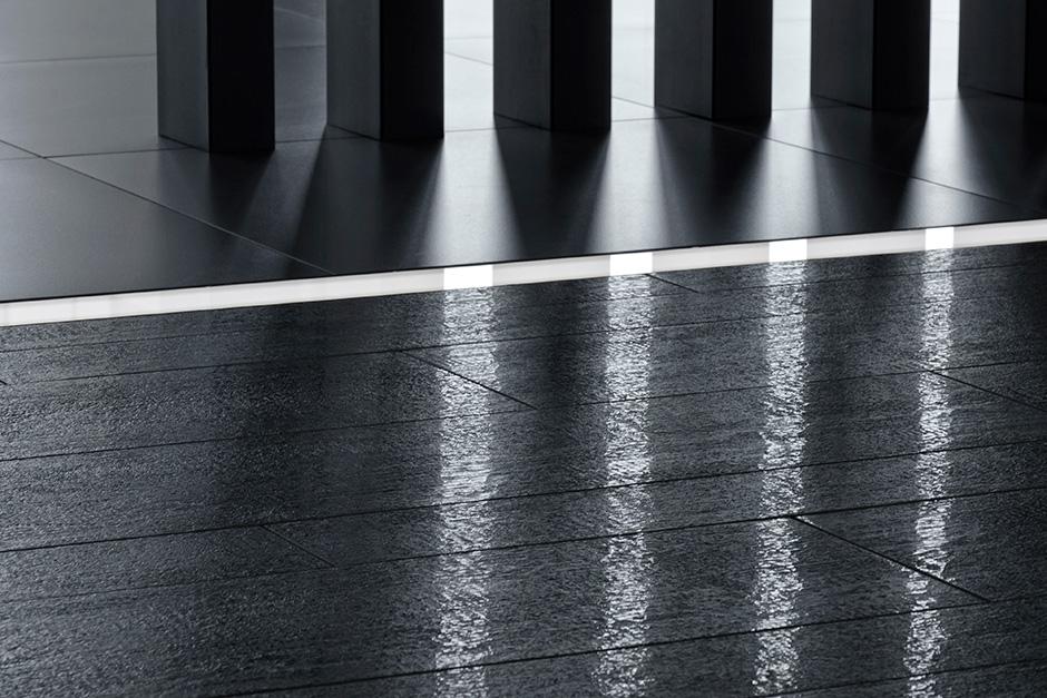 porcelanosa_concrete_timber_black