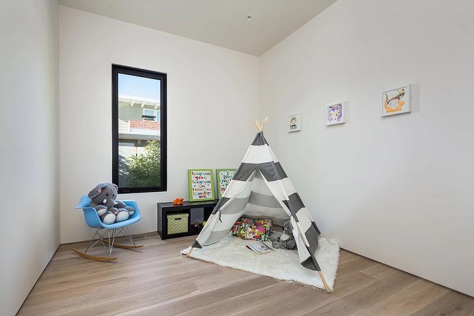 Palo Alto Bedroom