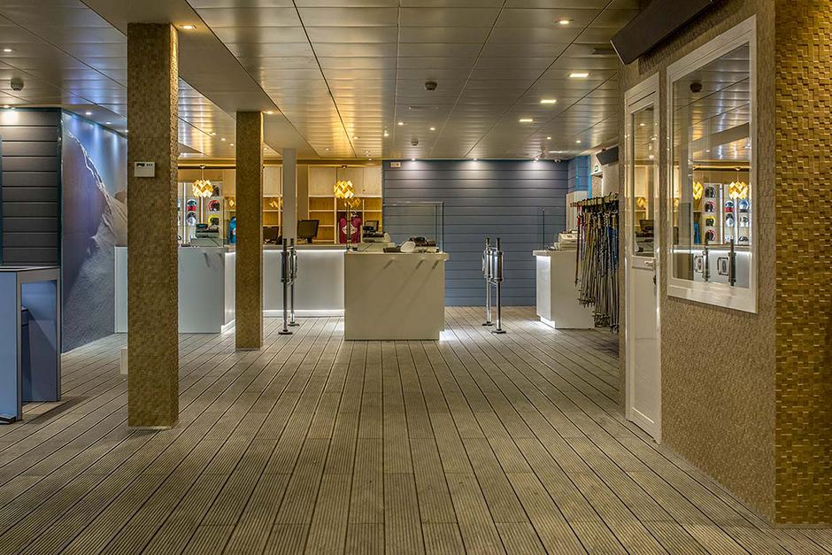 Lobby of Valdesqui Ski Station