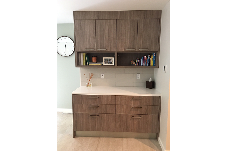 Counter with storage